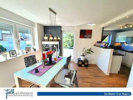 +++ hochwertige 3-Zi.-Wohnung mit Aufzug, Küche, Garage und Sonnenbalkon in Top-Lage +++
