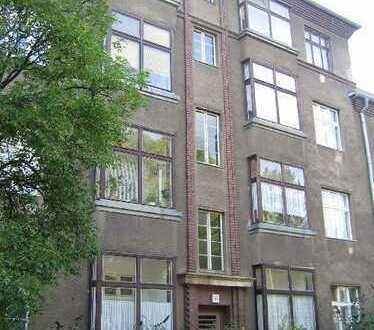 helle 4 Zimmer Familien-Wohnung / WG möglich