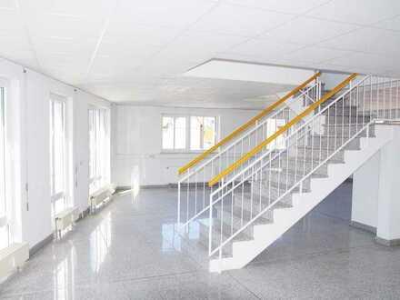 Thekla-Park sucht neue Mieter, Ladenfläche auf 2 Ebenen, WC, Stellplätze, gepflegtes Umfeld