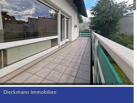 Großzügige Etagenwohung mit traumhaften Balkon