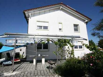 Schönes Haus (DHH) mit sechs Zimmern in Ingolstadt, West
