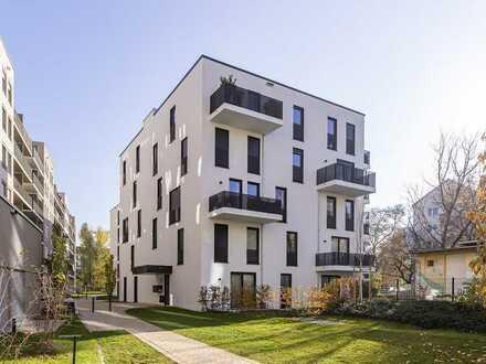Perfekte Lage im Hinterhaus! 3 Zimmer mit EBK & Balkon & Gästebad