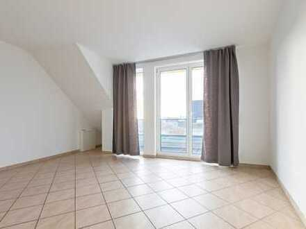 Lichtdurchflutete Drei-Zimmer-Wohnung mit großen Balkonen und Weitblick in idealer Ausrichtung