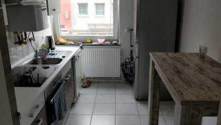 Zentrale gut geschnittene 3 Zimmer Wohnung