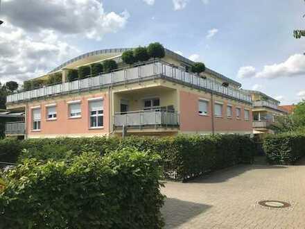 Die perfekte Alternative zum Haus .... die große (134qm) 5 Zimmerwohnung auf zwei Ebenen mit Garten