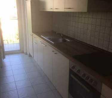 Top sanierte 3 Zimmer-Wohnung mit Einbauküche & 2 Balkons!