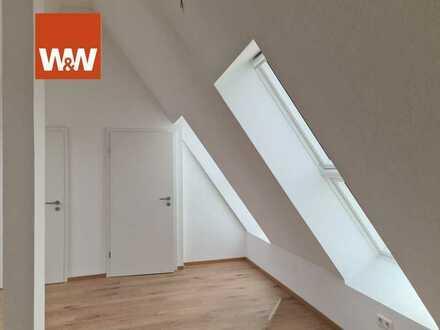 """Imposante Doppelhaushälfte. """"Mitten Im Flecken"""". Wohnen und Arbeiten unter einem Dach."""