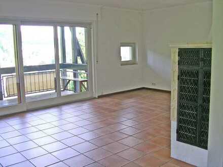 6209 - Ruhige 2-Zimmerwohnung mit 2 Balkonen, TG-Stellplatz und Weitsicht in Bad Herrenalb!