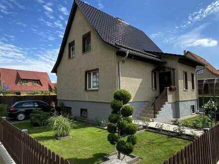 Haus sucht glückliche Familie. Traumhaftes Haus mit Pool und Garten in Wriezen zu verkaufen.