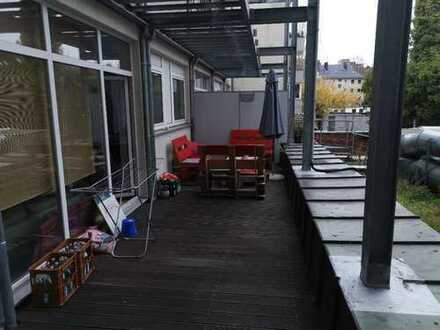 Zimmer in zentraler und schöner 3 1/2 Zimmer Wohnung in Innenstadtnord zwecks Wg-Neugründung wird fr
