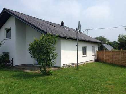 Rhein-Hunsrück-Kreis, 4-ZKB, Nähe Rheinböllen/Kastellaun/Simmern/ A61, freistehendes 2-Familien-Haus