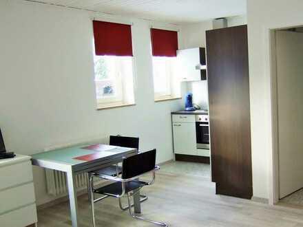 --- Inning - helles und ruhiges Apartment; incl. Stellplatz ---