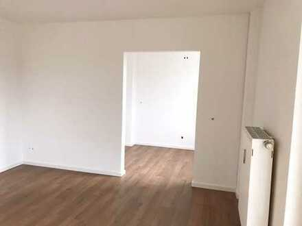 Saniert 2-Zimmer-Wohnung mit Balkon im Neusser Norden