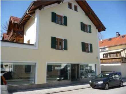 Schön + ruhig - 3 Zimmer-Wohnung mitten in Hausham mit großem Südbalkon
