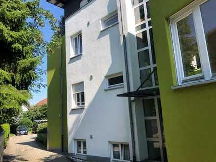 Schöne zwei Zimmer Wohnung in Rhein-Neckar-Kreis, Sandhausen