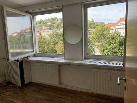 Große Wohnung - ideal für eine Familie oder als WG Neugründung!