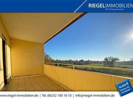 Sie hier? Wir auch! 106 m² Wohnfläche, 4,5 Zimmer mit großem Balkon und Garage