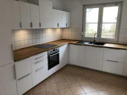 Schönes Haus mit 5 Zimmern und sonnigem Garten in Kladow - NEUE Fotos
