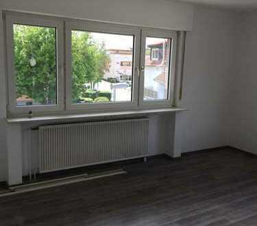 Vollständig renovierte 3-Zimmer-Wohnung mit Balkon in Egelsbach
