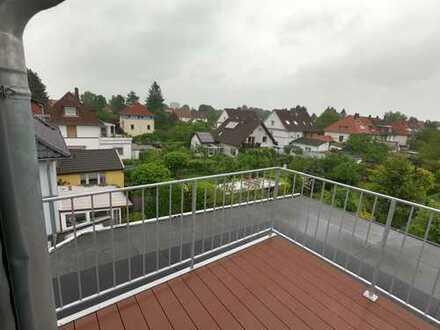Sonnige 1-Zimmer-Dachgeschosswohnung mit Balkon in exquisiter Lage.