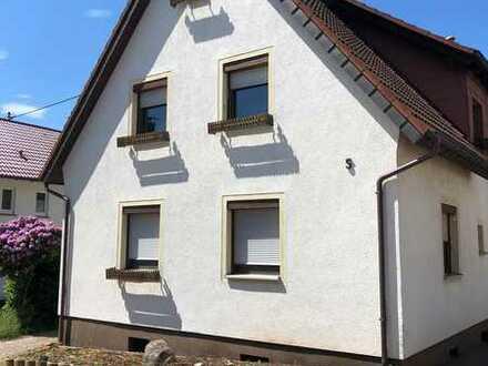 Charmantes Haus mit zwei Badezimmer, großem Wohnbereich und 20 m² großer Küche