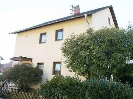 Hagenbach: Einfamilienhaus mit Garten und Garage