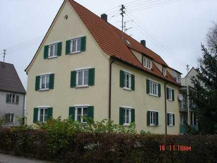2 Zimmer Wohnung im Erdgeschoss mit Kellerraum und Balkon in Burgau