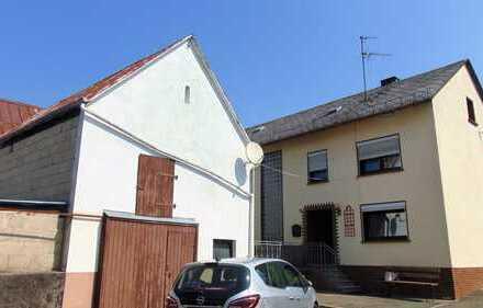 1-2 Familienhaus mit 2 Scheunen, Garten und 2 Garagen!