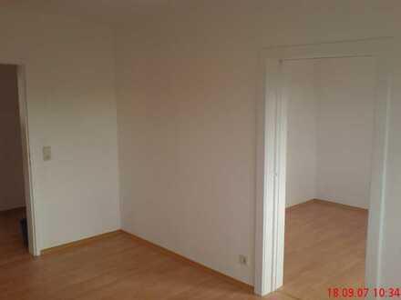 Freundliche, helle 3 1/2 Zimmer-Wohnung