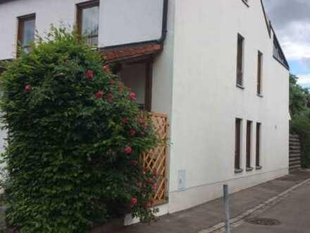 Exclusives Reiheneckhaus in Lechhausen, Augsburg
