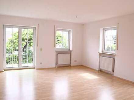 Helle 4-Zimmer-Wohnung, Balkon, Garage, Gartennutzung. Im Grünen und doch stadtnah, provisionsfrei