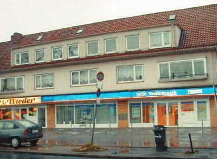 2-Zimmer-Dachgeschosswohnung mit Balkon und Einbauküche in Bremen