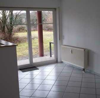 schöne 2-Zimmer Erdgeschosswohnung mit Terrasse und Garagenplatz im Rodgebiet