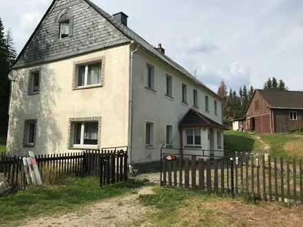 Einfamilienhaus in Alleinlage mit großem Grundstück!