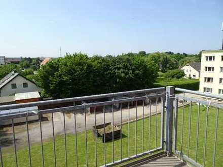Von Privat 3 Zi Wohnung mit Balkon, Schule, Bus und Einkaufen vor Ort von Privat