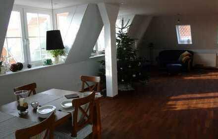 Neuwertige 3-Zimmer-Penthouse-Wohnung mit Balkon und Einbauküche in Donauwörth