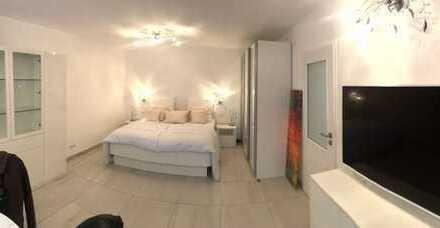Schöne, voll möblierte 1-Zimmer-Wohnung mit Balkon und Tiefgarage in München, Sendling-Westpark