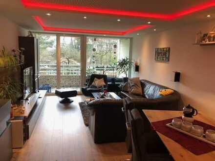 Helle modernisierte 4-Zimmer ETW mit 2 Balkonen von Privat