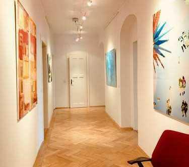 Schicke, luxuriöse und voll möblierte Designer-Wohnung in sehr guter Lage im begehrten NYMPHENBURG!