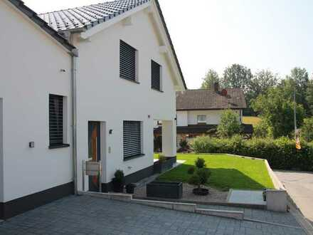 Eine wunderschöne Doppelhaushälfte in Steinen!!Ohne Makler!!!