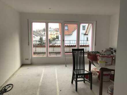 Stilvolle, modernisierte 3-Zimmer-Maisonette-Wohnung mit Balkon und Einbauküche in Filderstadt