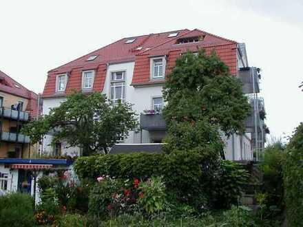 2-RW mit großem Balkon in ruh. grüner Lage direkt an den Kleingärten in DD-Mickten