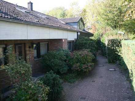 Haus mit neun Zimmern in Düsseldorf, Hellerhof