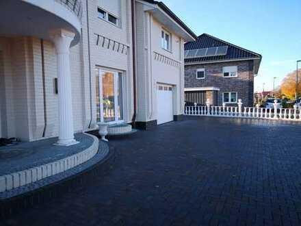 ### Exklusive Stadt-Villa in Saterland - EIN TRAUM VOM WOHNEN! # # #