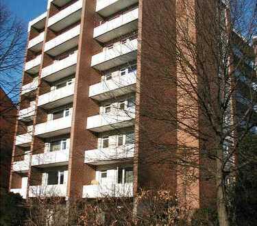 Modernisierte, helle 1-Zimmer-Wohnung mit Balkon für jung und alt !