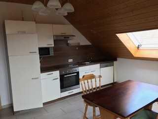 Wunderschöne 2,5-Zimmer-DG-Wohnung mit Balkon und Einbauküche in Marktheidenfeld OT Glasofen