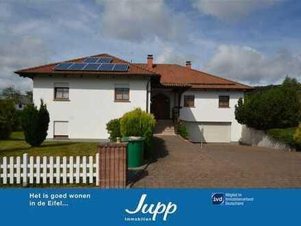 Repräsentativer Bungalow mit 3 Wohnungen, Wintergarten, Garten und Doppelgarage Bruchweiler