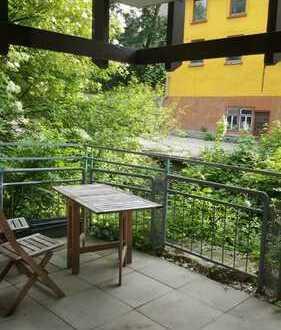 Wunderschöne 3-Zimmer-EG-Wohnung mit Balkon zum Wasser raus im Herzen von Reutlingen