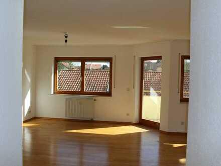 Ruhige, sonnige 3,5-Zimmerwohnung mit Einbauküche und Garagenstellplatz