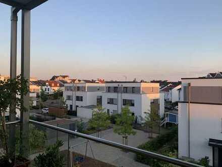 Stilvolle 3-Zimmer-Wohnung mit Balkon und EBK in Langen
